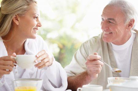 Eine gesunde, ausgewogene Ernährung ist ein wichtiger Schritt, um das Herz-Kreislauf-Risiko zu senken.